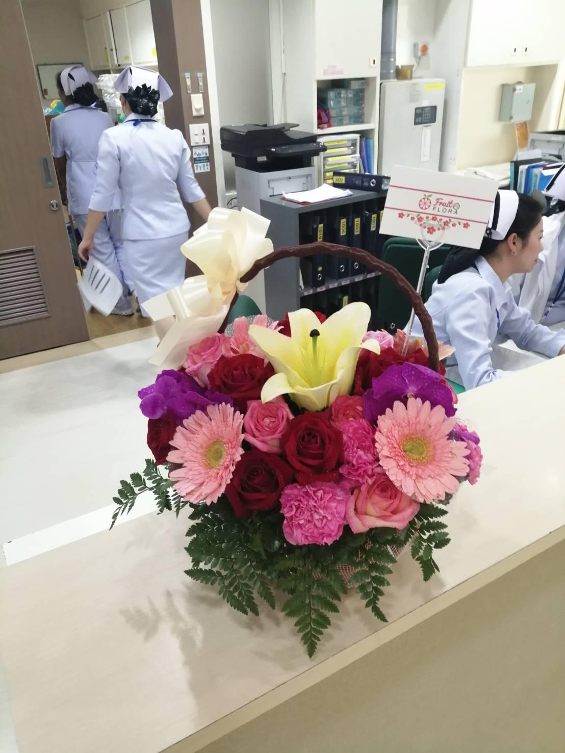 กระเช้าดอกไม้สไตล์มินิมอล สวยเนี้ยบด้วยดีไซน์ที่ออกแบบโดยช่างจัดคนเก่งค่ะ
