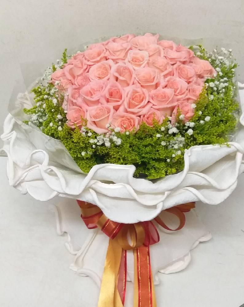 ช่อดอกไม้สวย เก๋ เลิศ ไม่ซ้ำแบบใคร เลือกใช้แต่ดอกกุหลาบที่คัดมาแล้วนะคะ