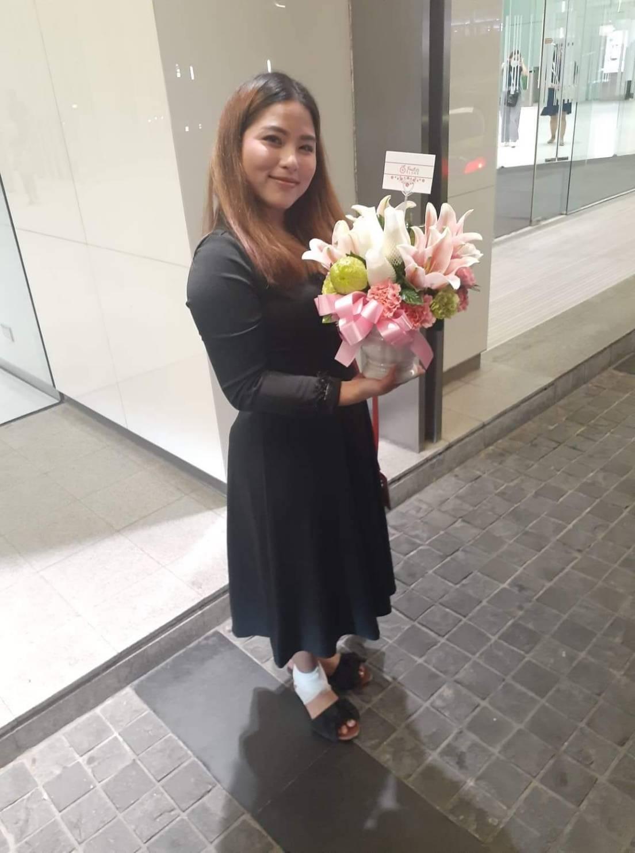 แจกันดอกไม้สดนานาชนิด สุดอลังการ ตัวแทนของความพิเศษ