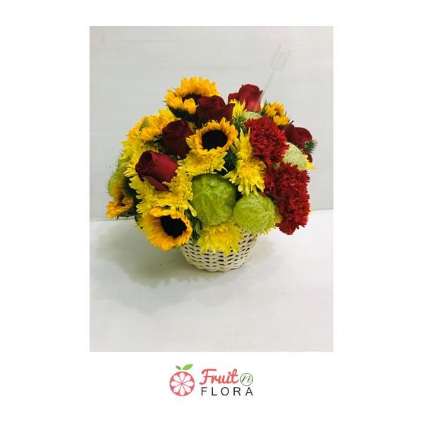 กระเช้าดอกทานตะวัน กระเช้าดอกไม้แห่งความหวังและกำลังใจ มอบให้แก่คนสำคัญของคุณสิคะ