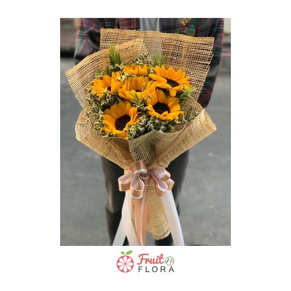 ช่อดอกทานตะวัน ช่อดอกไม้แห่งกำลังใจ มอบให้คนสำคัญของคุณ เพื่อให้เขาหรือเธอคนนนั้นรู้ว่าคุณจะอยู่เคียงเขาเสมอนะคะ