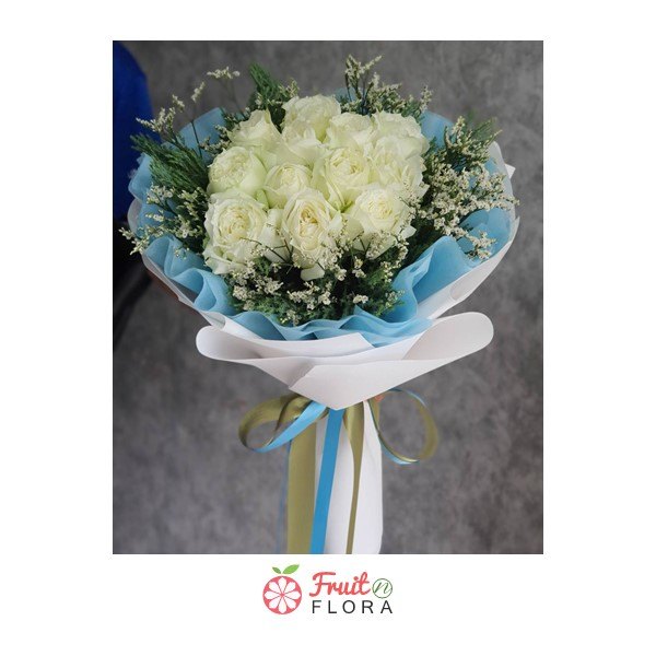 ช่อดอกกุหลาบขาวดีไซน์สวย พร้อมส่งให้คนพิเศษของคุณค่ะ