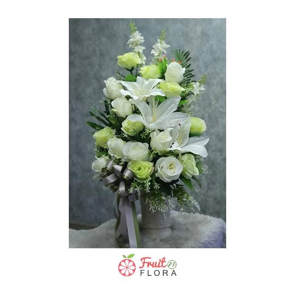 ตกแต่งบ้านให้อยู่ท่ามกลางธรรมชาติด้วยดอกไม้สวย ๆ โทนสีขาว-เขียว กันค่ะ