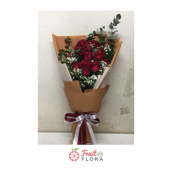 ช่อดอกกุหลาบแดงแสนสวย พร้อมมอบความรักที่แสนจะโรแมนติกให้กับทุกคน