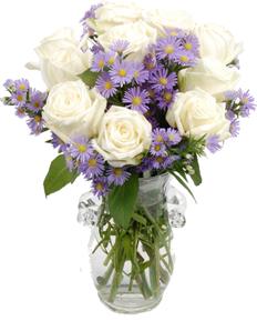 แจกันดอกไม้ใช้ดอกกุหลาบสีขาวม่วง