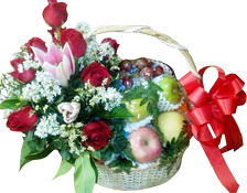 กระเช้าผลไม้ประดับด้วยดอกกุหลาบและโบว์สีแดง