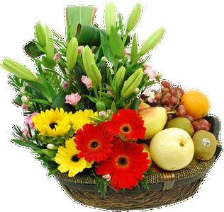 กระเช้าผลไม้ประกอบด้วยดอกทานตะวันและลิลลี่