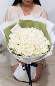ช่อดอกกุหลาบสีขาวขนาดใหญ่ 50ดอก
