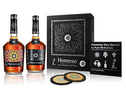 Hennessy V.S Deluxe Edition (2 bottles) by Ryan McGinness
