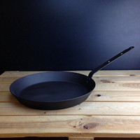 Netherton Foundry Shropshire Oven Safe 14inch Iron Frying Pan