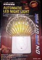 Lloytron A983 Automatic Dusk to Dawn LED Night Light