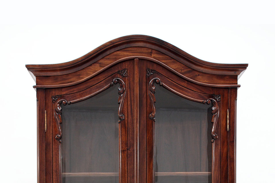 What Materials are Used to Make Chippendale Furniture?