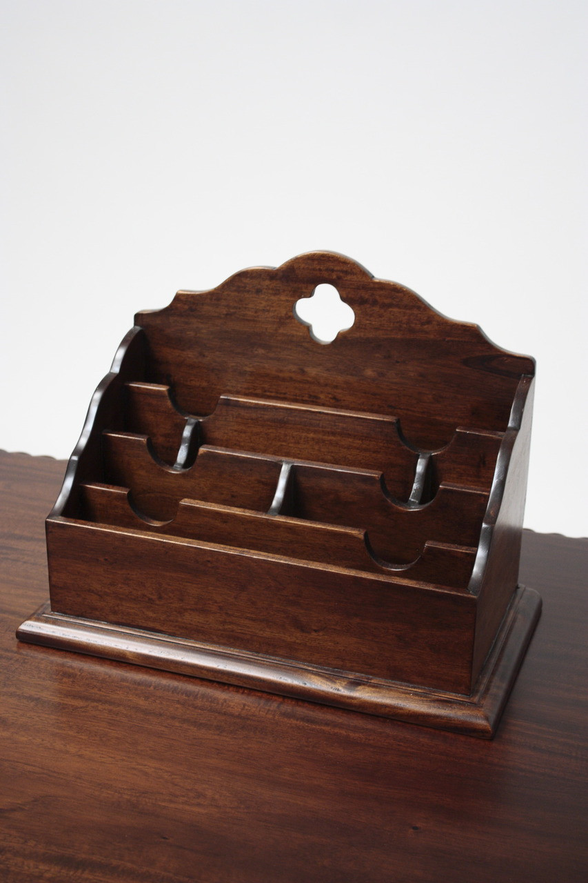 Why Mahogany Antique Reproductions are the Perfect Gift