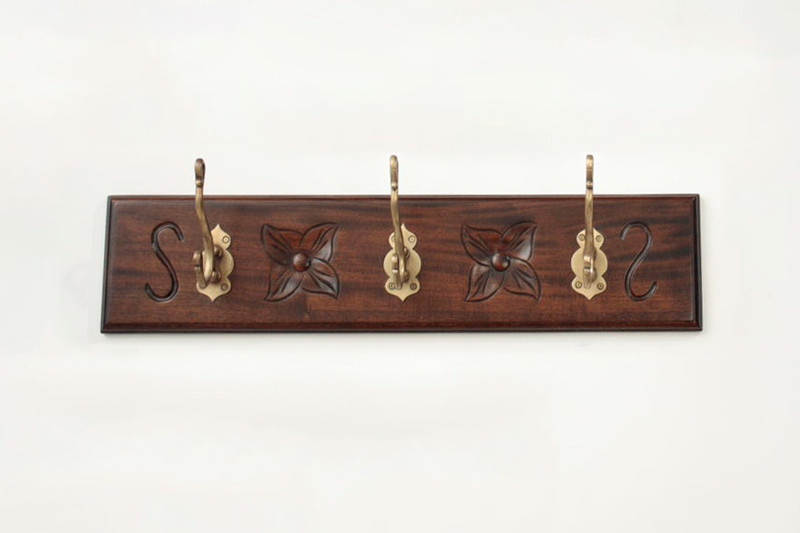 Small Wall-Mounted Coat Rack (3 Hooks)