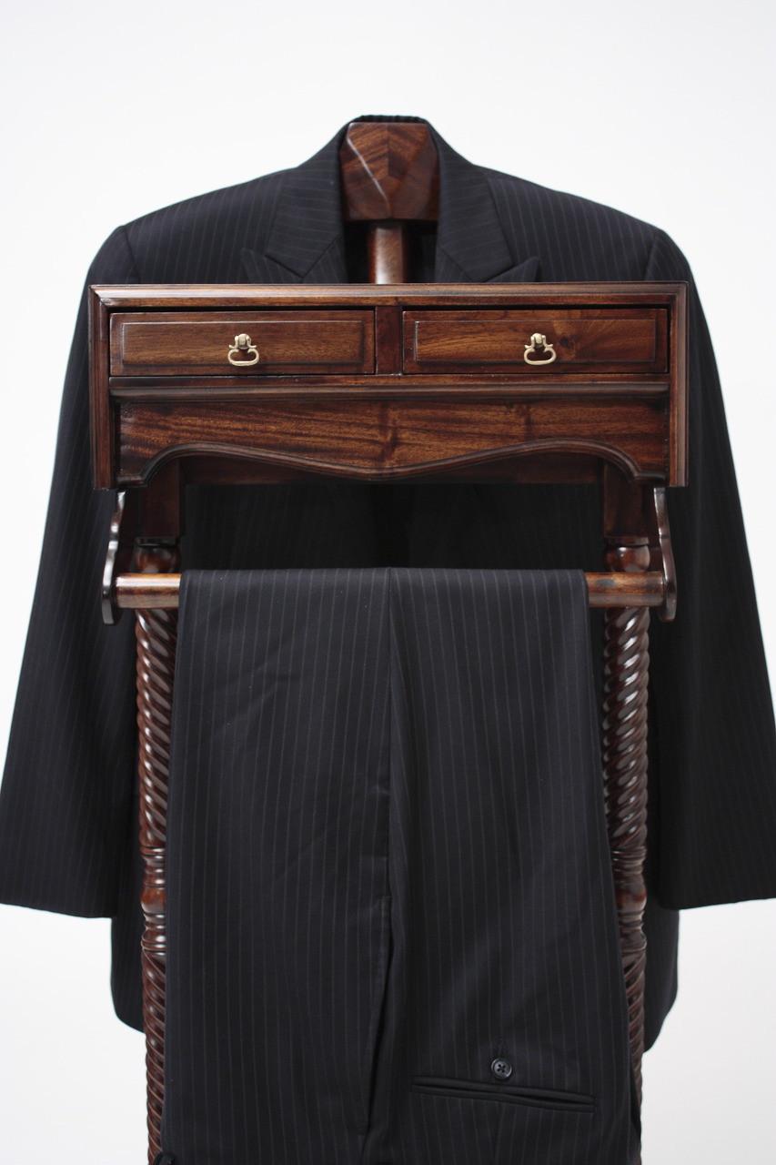 Men S Valet Stand Laurel Crown Furniture
