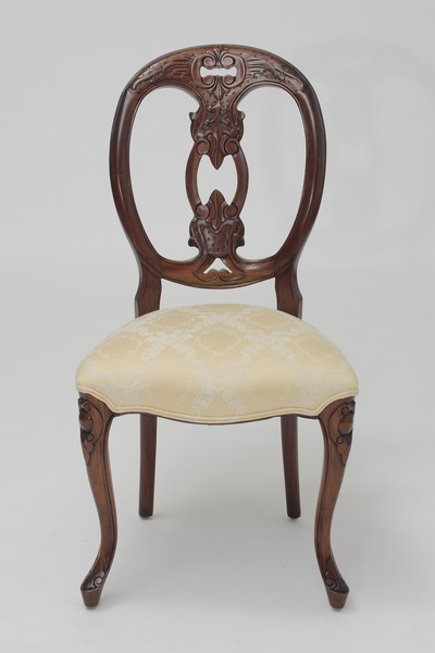 French Medallion-Back Chair in Cream Floral Damask