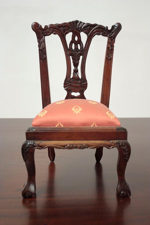 Gentil Laurel Crown Furniture