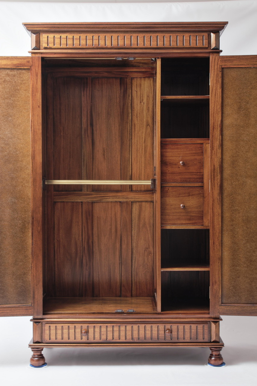 How to Decorate your Master Closet with Antique Reproduction Furniture