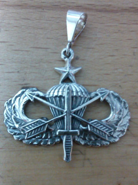 US Army Special Forces Senior Parachutist Pendant