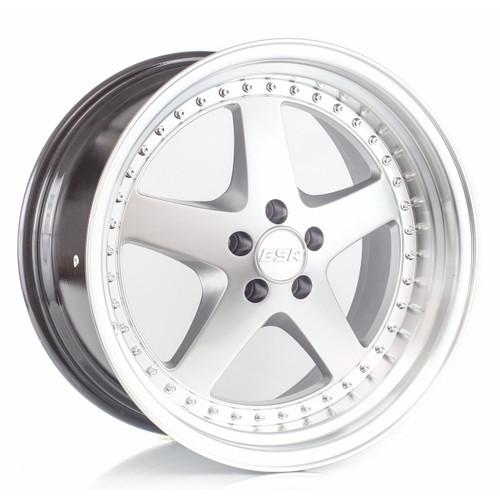 ESR SR04 wheel in machined silver