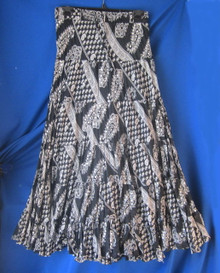 Skirt sequined broomstick black and white