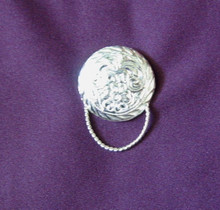 Eyeglass holder magnetic concho round silvertone