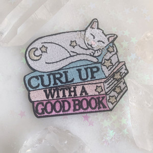 TR00372-MLT-OS - Curl Up with a Good Book Cat Patch - Embroidered Patches for Jackets - Gift for Book Lover - VSCO- Wildflower + Co.