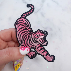 TR00211-PNK-OS-R - Tiger - Left Iron On Patch, Pink - Patch - Patches - Patches for Jackets - Iron On - Iron-On Patch - Embroidered Patch - Pastel - Tiger Patch - Pink - Savage - Nature - Aesthetic