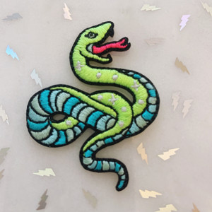 TR00405-GRN-OS - Serpent Patch - Snake Patch - Embroidered Patch - Iron On Patch - Patches for Jackets - Applique - Retro - Aesthetic - Embroidery - Animal Patch - Reptile - Indie - Grunge - Wildflower Co