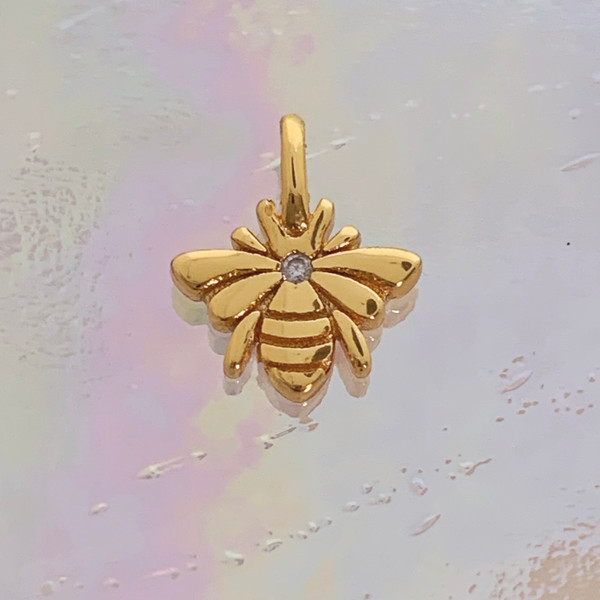 JW00847-GLD-OS Teeny Bee Charm, Gold Vermeil, Dainty Necklace, charm, dainty necklace, delicate necklace, layering necklace, minimalist necklace, simple necklace, tiny charm necklace, gift, gold, golden, bee, honeybee, bee aesthetic, save the bees, gold charm, gold necklace, honey, bee charm