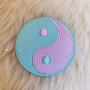 TR00407-PNK-OS - Yin Yang Patch - Pink & Aqua - Patches, Patch, Iron On, Iron On Patches, Patches for Jackets, Embroidered Patches, Embroidery, Embroidered, Yin Yang, Yin & Yang, YinYang, Yin & Yang Patch