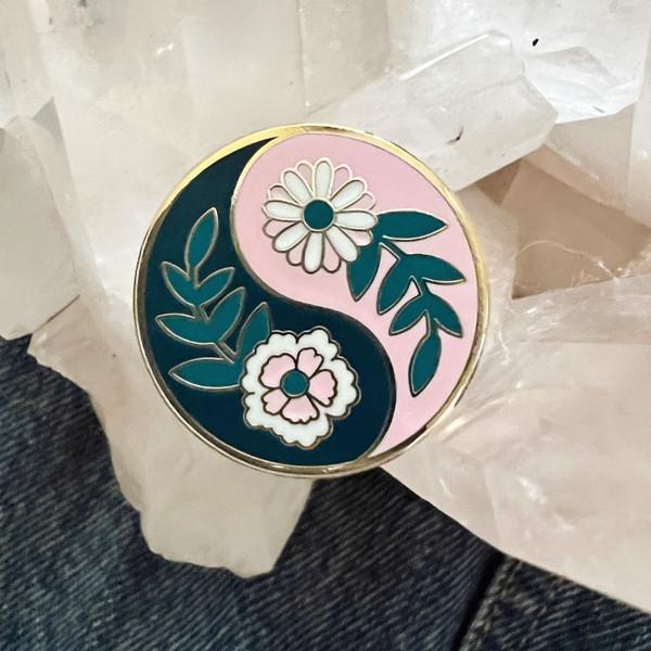 AC00224-MLT-OS - Botanical Yin Yang Pin - Yin & Yang Cottagecore Hard Enamel Lapel Pin - Floral Flowers - Gift for Plant Lovers - Wildflower + Co. DIY