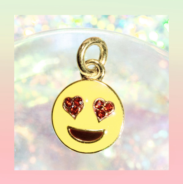 JW00188-A Emoji - Heart Eyes - Love - Happy Smiley Face - Charm Pendant - Gold - Wildflower + Co Jewelry