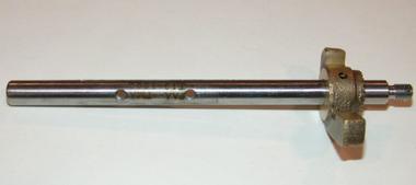 AV13-1522 Throttle Shaft Assembly