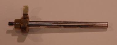 AV13-1533 Throttle Shaft
