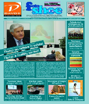 Fotoshoe 15 Magazine  (Italy) - 6 iss/yr (To US Only)