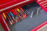 40490 PLIERS / WRENCH RACK - RED