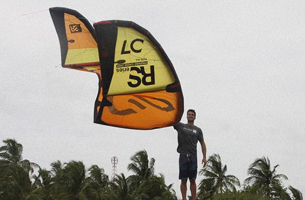 entry-level-kiteboarding-kite-rs.jpg