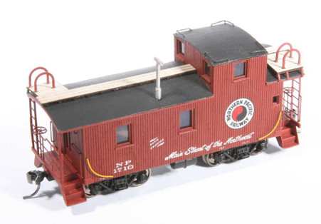 NP 1700 Series Wood Caboose