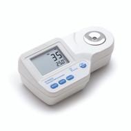 Digital Refractometer for Seawater - Hanna Instruments HI96822