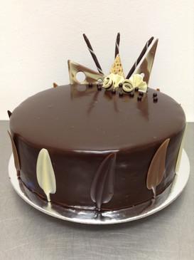 Elegant Classic Chocolate Mud Cake