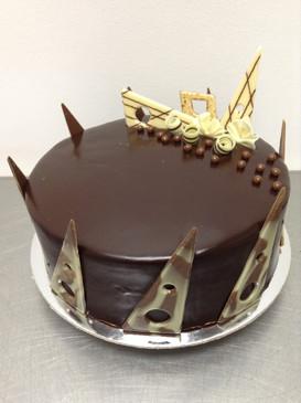 Elegant Chocolate Caramel Mud Cake