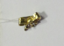Jewelry- Gold Ribbon Pin