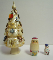 Christmas Tree Nestling Dolls