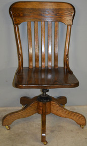 18580 Oak Ladies Refinished Office Swivel Desk Chair