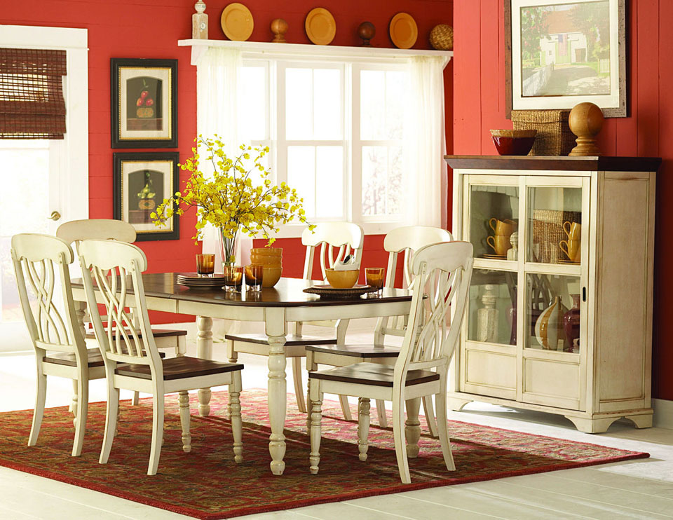 White Kitchen Table with Chairs