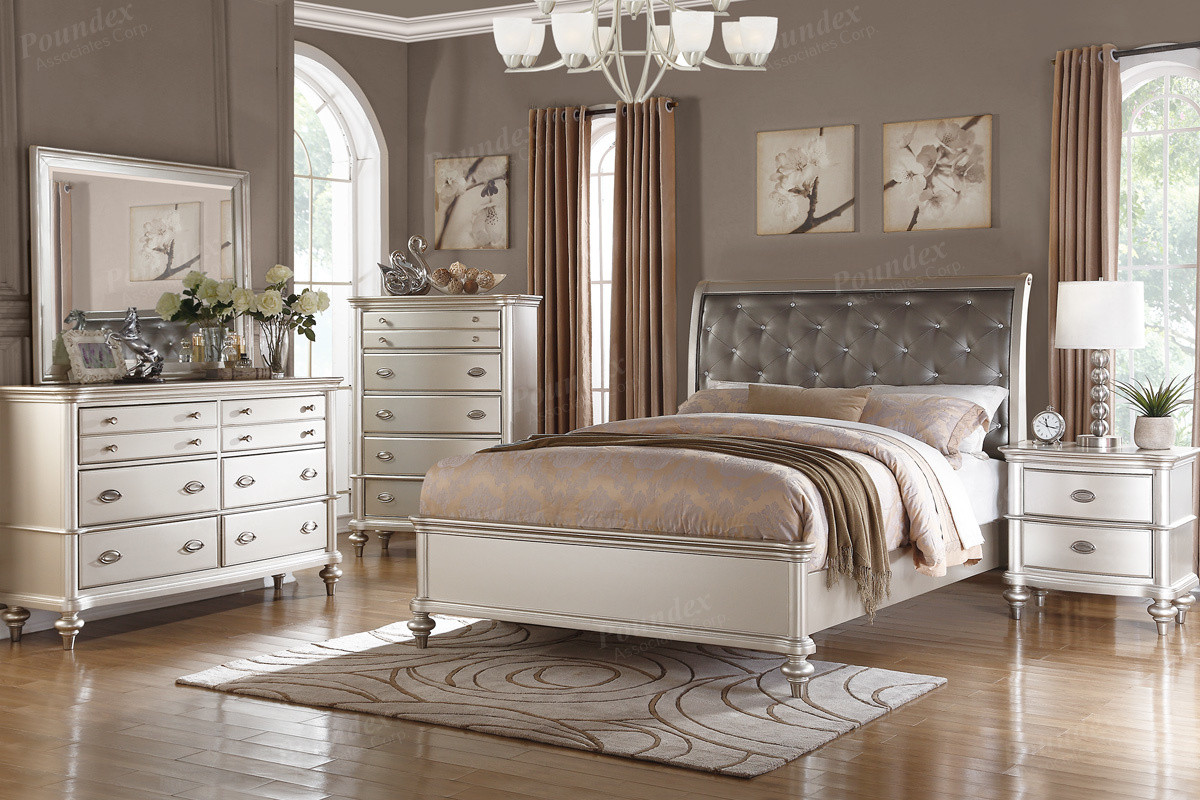 Poundex F9317 Metallic Silver Tufted Bed