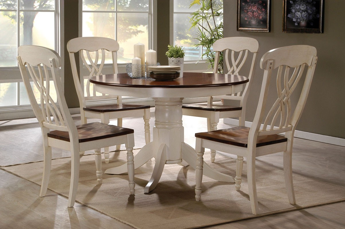 42 Lander Oak Buttermilk Round Kitchen Table Set | Table for 4