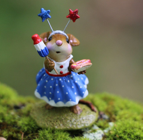 Wee Forest Folk Miniatures - Rocket Pop Reveler (M-321e)