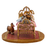 Wee Forest Folk Miniature - Her Creature Comforts (M-412a)